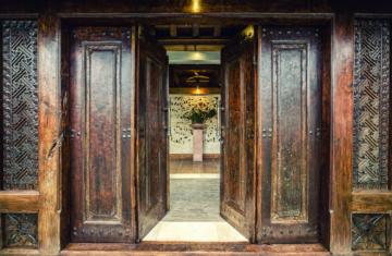 La Villa Des Sens entrance door